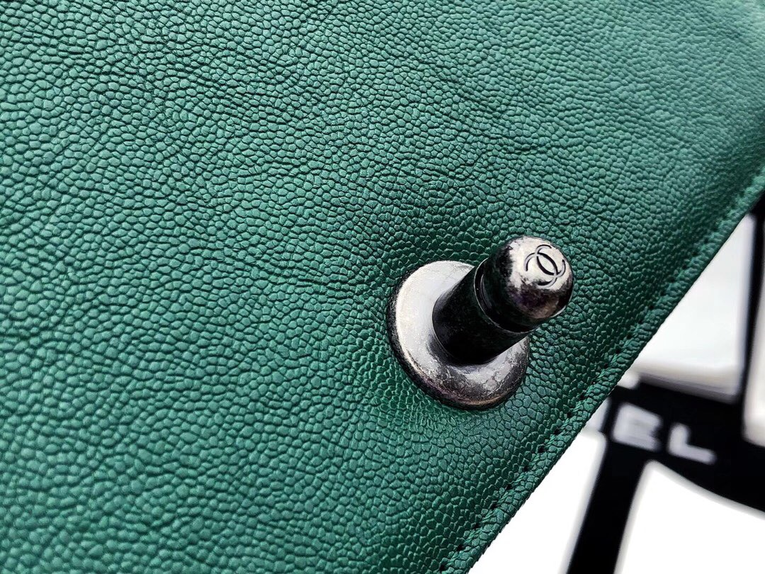 香奈兒口蓋包Leboy bag 孔雀绿INCAS水洗胎牛皮 魚子醬細球紋 復古银色金屬