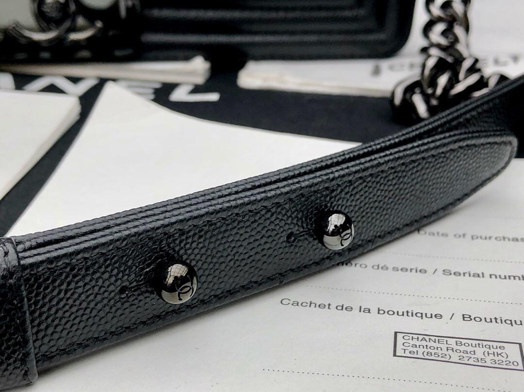 香奈兒口蓋包 Leboy bag 黑色 纯钢黑色金属 胎牛魚子醬細球紋