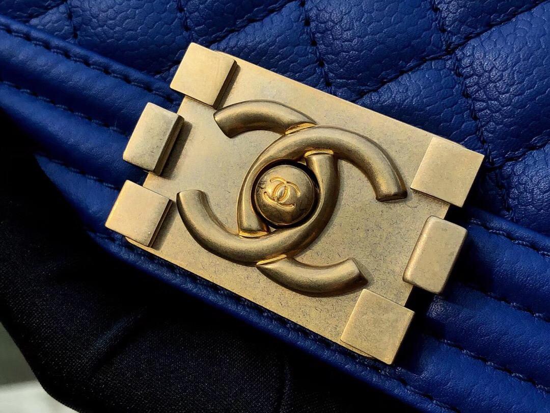 香奈兒口蓋包 MINI Leboy bag 電光藍色 INCAS 胎牛皮球紋 沙金色五金