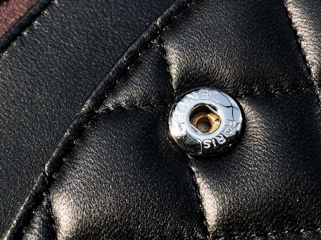 香奈兒菱格鏈條經典口蓋包 Classic Flap Bag 黑色羊皮 银色金屬