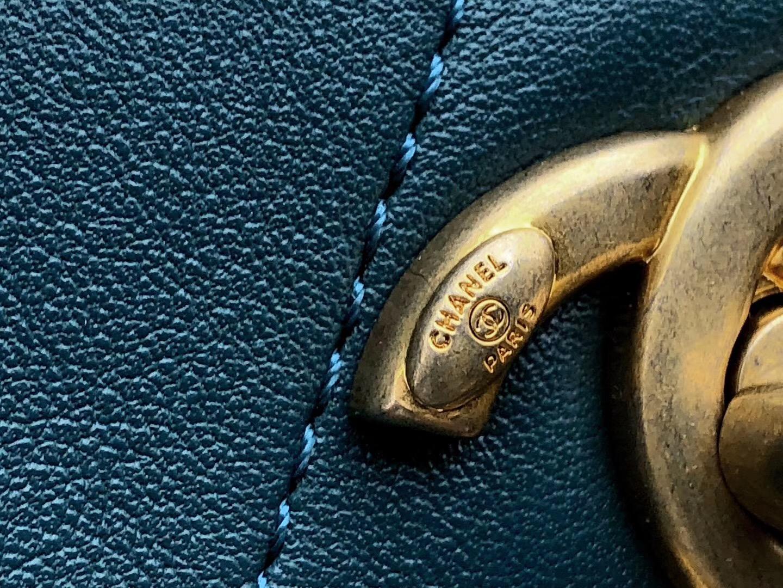 2018香奈兒新款嬉皮包 劉雯同款 藍色小牛皮、邏緞與金色金屬