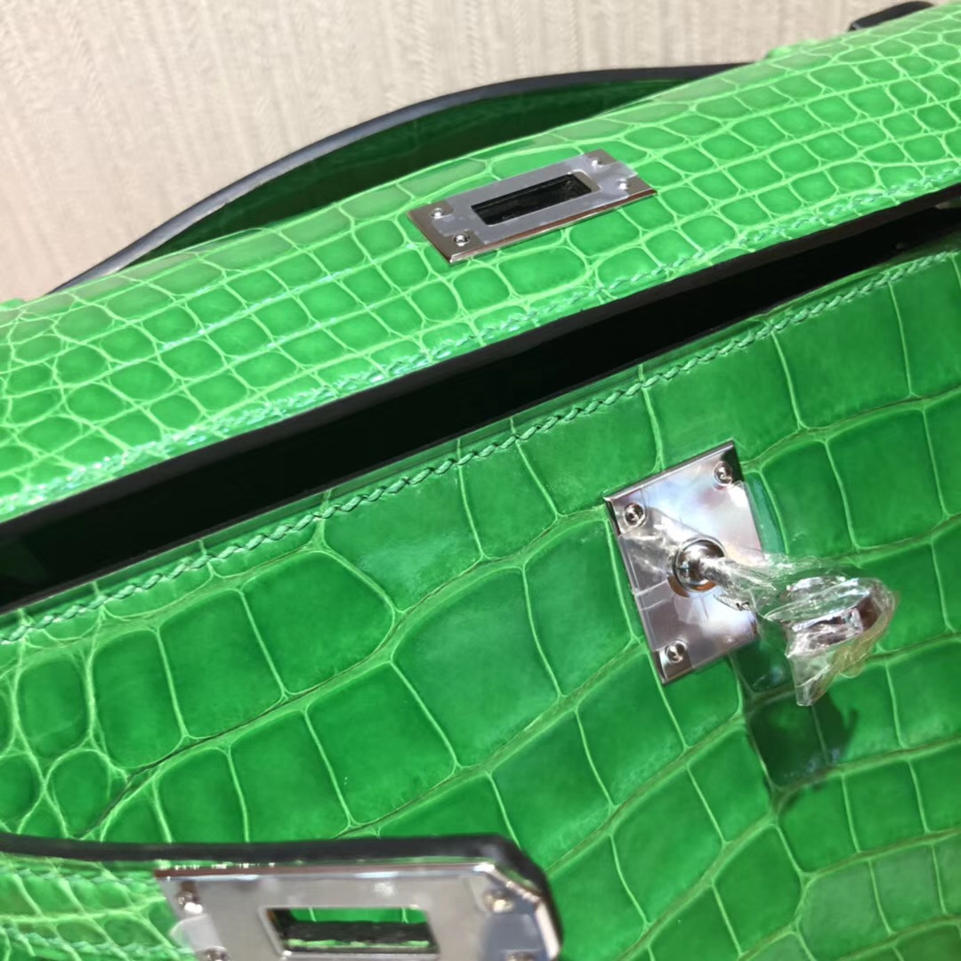 Hermes Mini Kelly 22cm pochette 1L仙人掌綠 亮面方塊鱷魚皮革 銀扣金屬