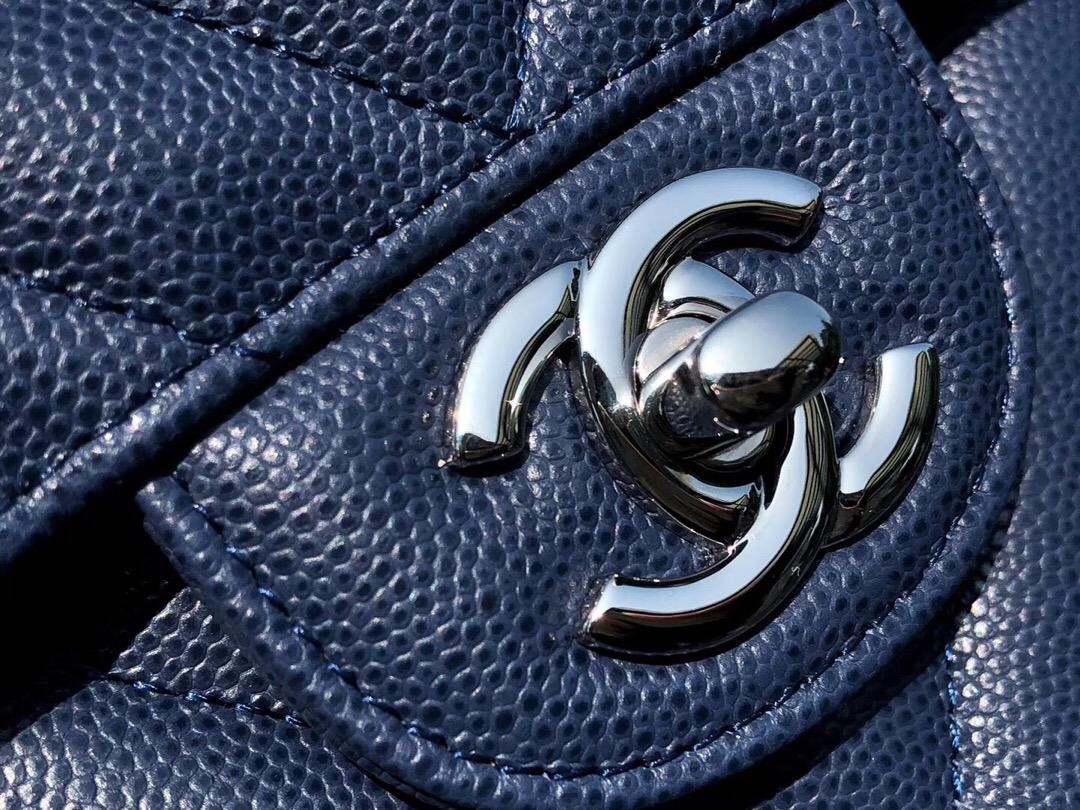 香奈兒 V型鏈條經典口蓋包 Classic Flap Bag 藏蓝色小牛皮银色金屬