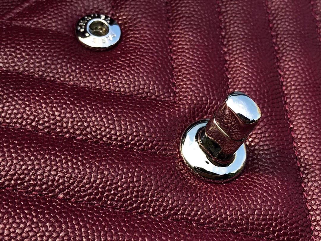 香奈兒V型口蓋包 Classic Flap Bag 酒红色小牛皮 银色金屬