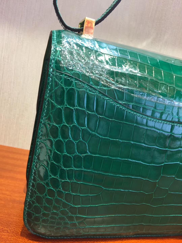 愛馬仕康康包價格是多少 Hermes 6Q翡翠綠 Constance 24cm 亮面兩點鱷魚