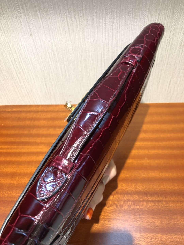 廣州鱷魚皮具批發中心 凱莉手拿包 Hermes Kellycut 31 CK57波尔多酒红倒V湾鳄