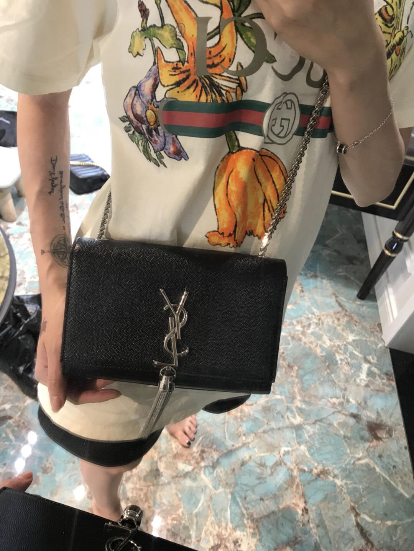 ysl女包圖片價格 聖羅蘭包包 KATE 小號黑色牛皮紋理真皮流蘇穗鏈條包