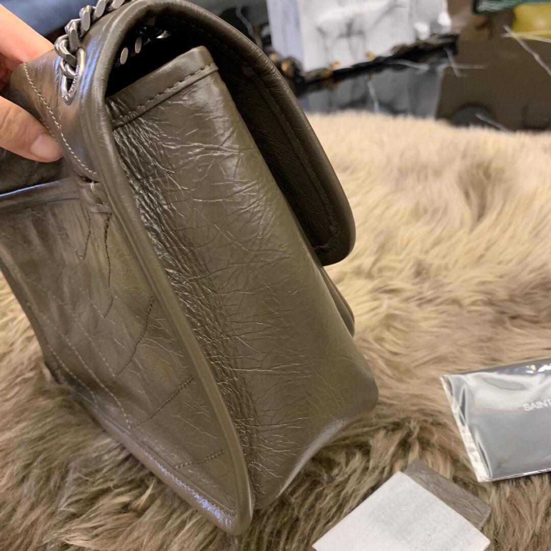 聖羅蘭包包圖片價格 YSL官網 BABY NIKI褶皺絎縫 卡其色小牛皮真皮鏈條包