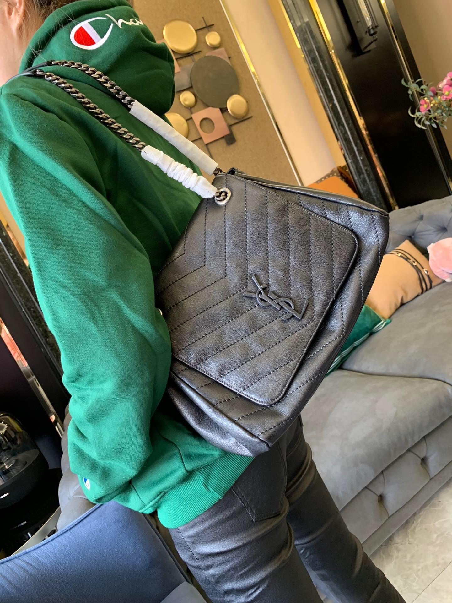 聖羅蘭包包官網價格 YSL NOLITA 中號復古真皮單肩包