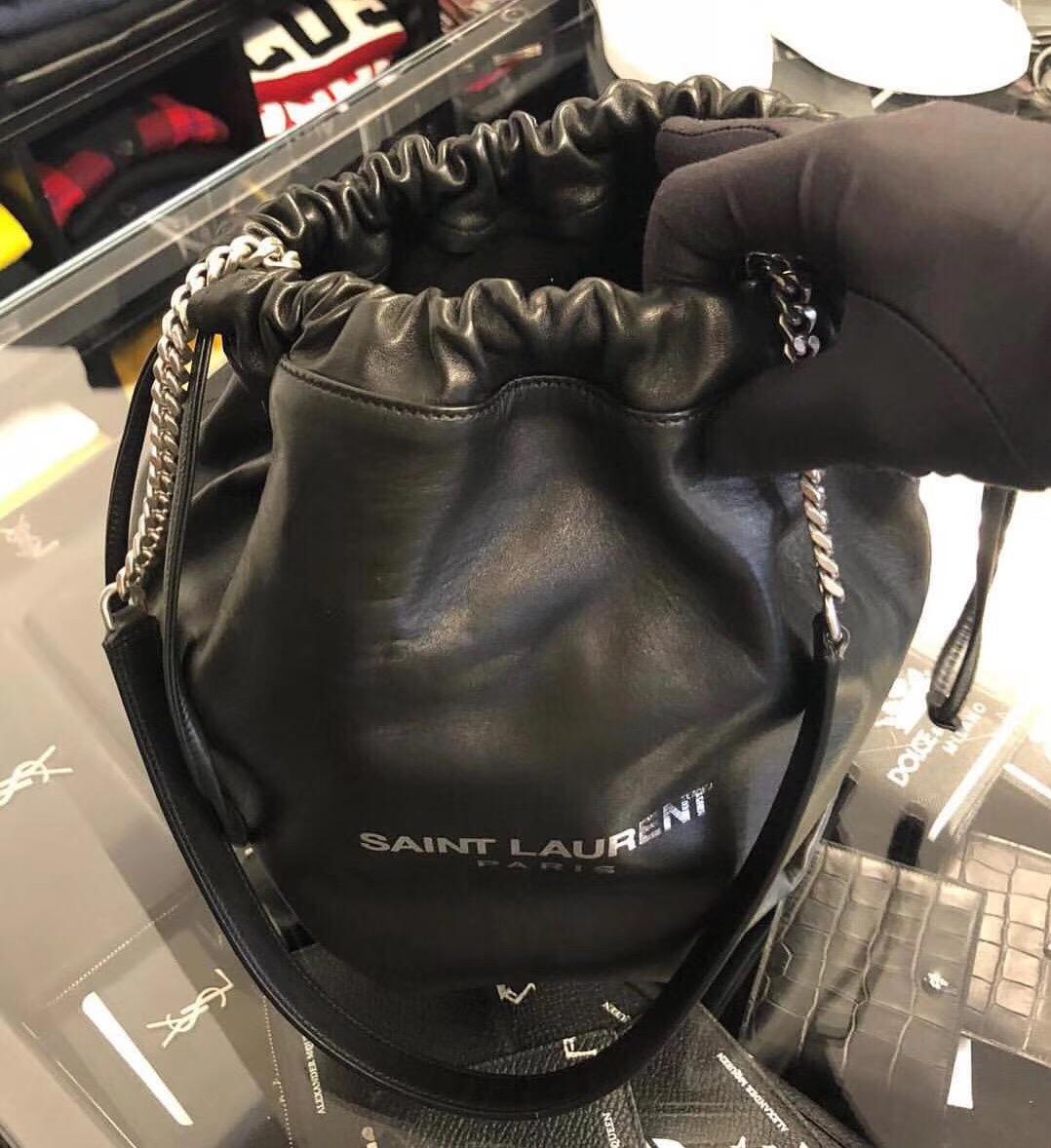 聖羅蘭包包臺灣官網 YSL TEDDY 黑色真皮包SAINT LAURENT PARIS抽繩水桶包