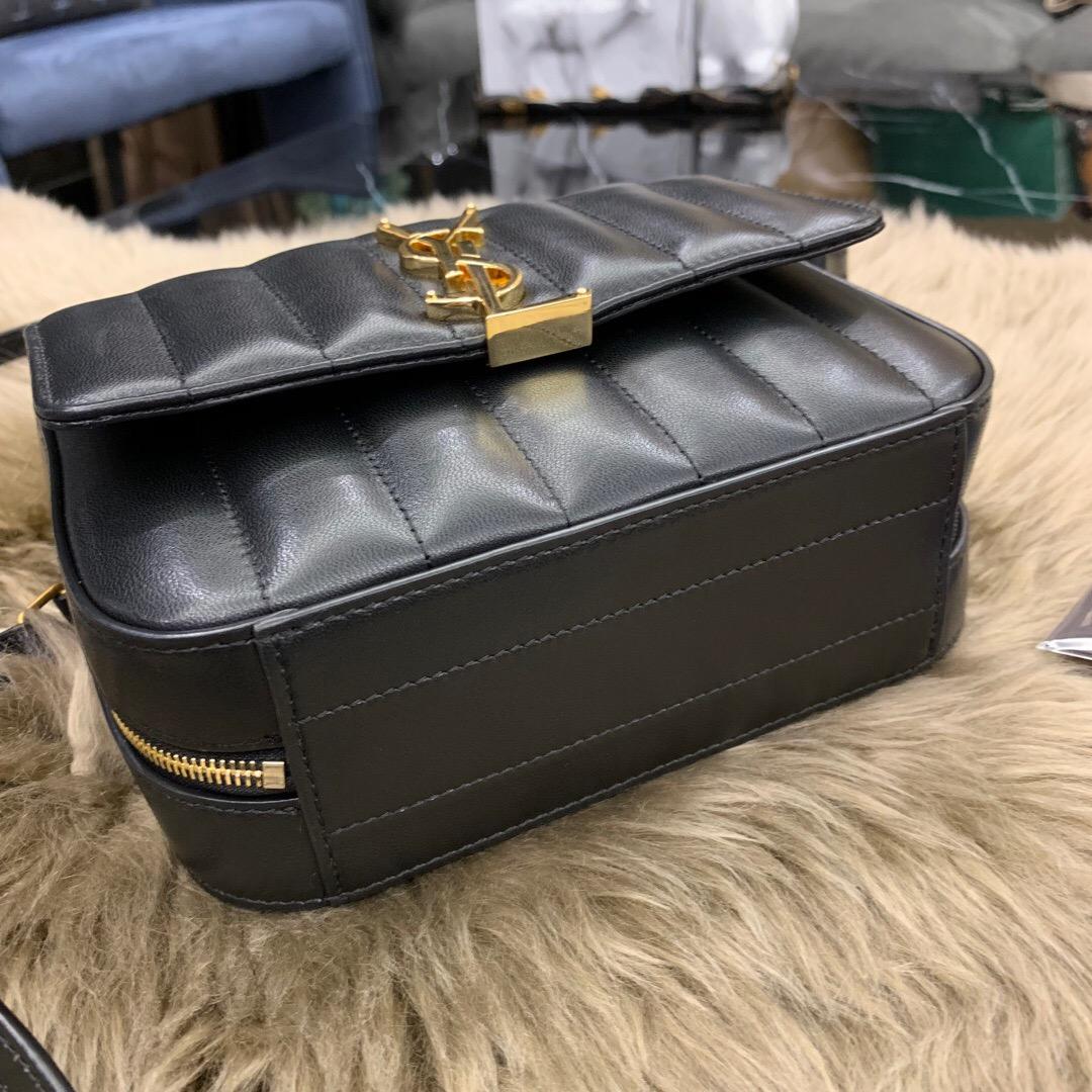 聖羅蘭 YSL VICKY 絎縫小羊皮相機包 5550520YD0J1000