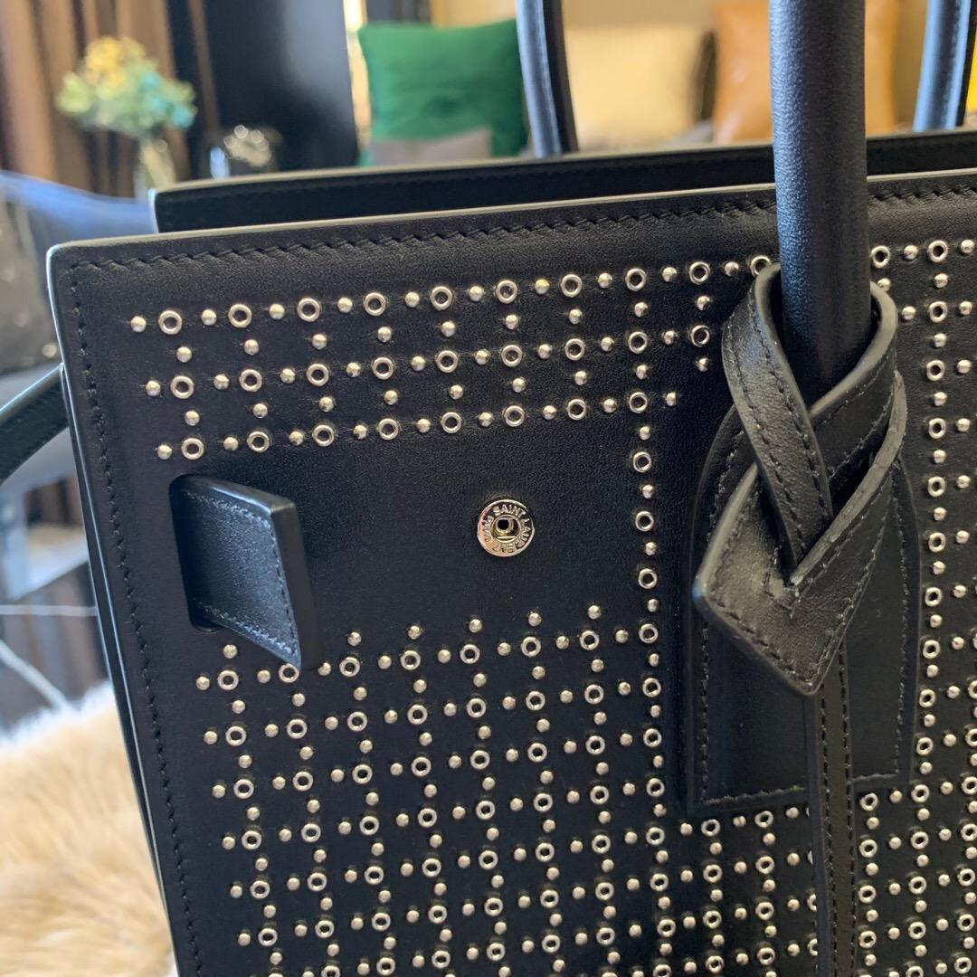 聖羅蘭 YSL 風琴包 SAC DE JOUR 小號銀色飾釘孔眼黑色真皮手袋