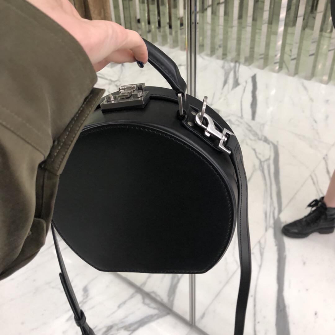 聖羅蘭包包官網 YSL MICA小號黑色真皮圓形帽包5168580K56E1080
