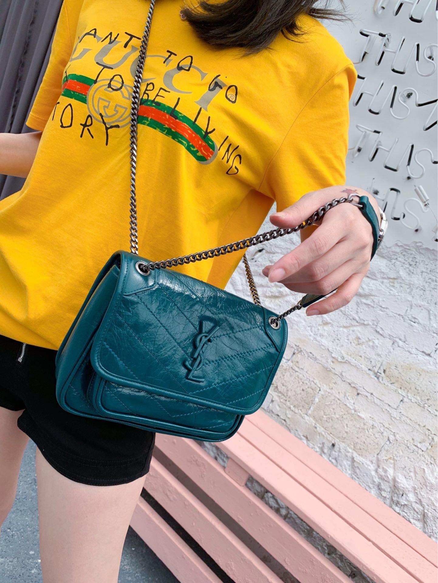 聖羅蘭 包包臺灣官網 YSL NIKI 迷妳蓝绿色 褶皺絎縫真皮鏈條包