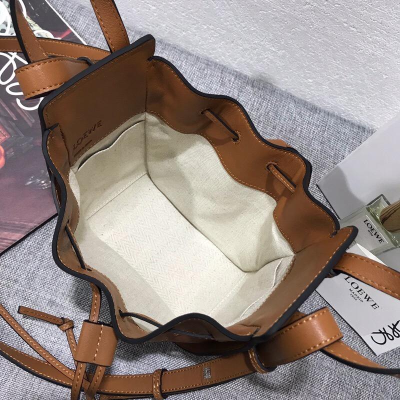 羅意威吊床包價格 loewe Mini Hammock Dw Bag 棕色小牛皮