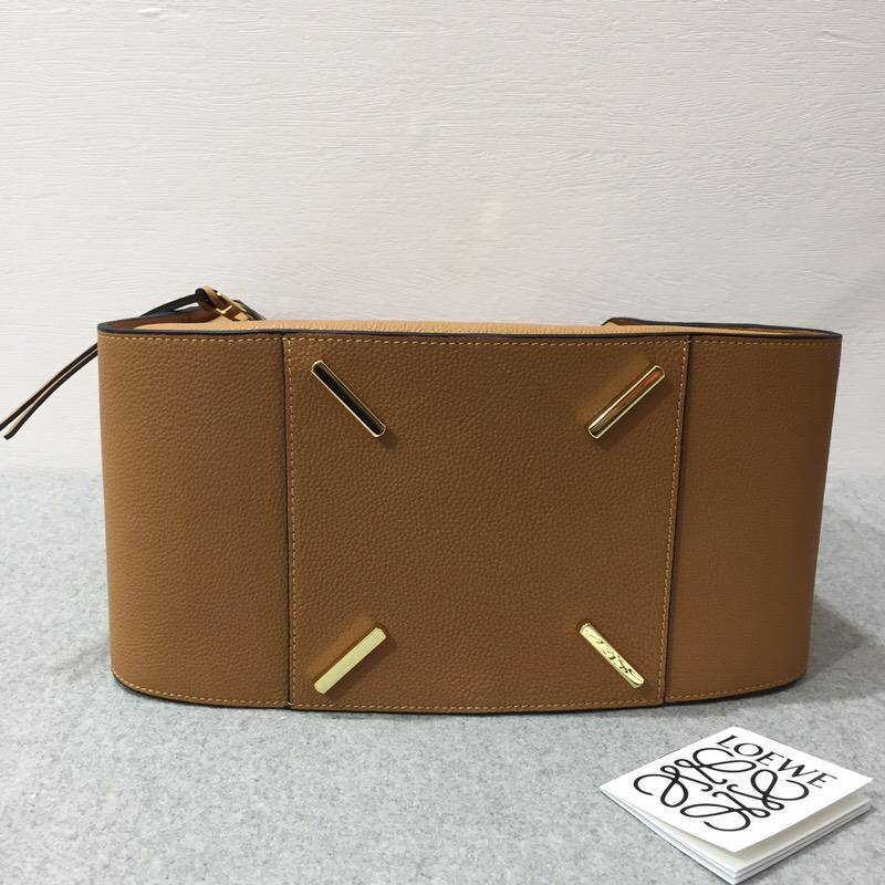 羅意威女包官網 LOEWE Hammock Medium Bag Light Caramel