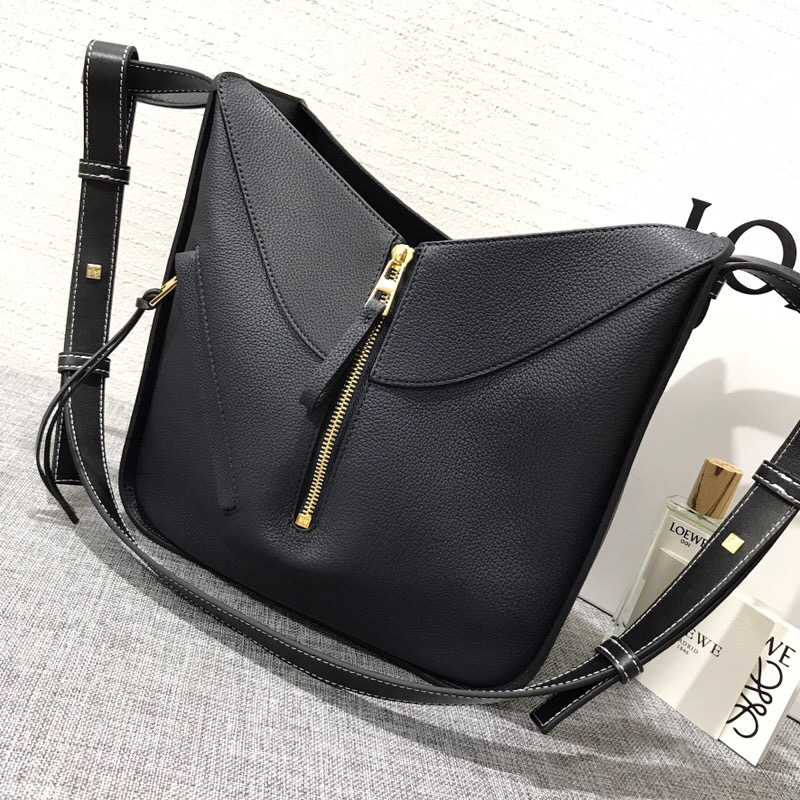 羅意威女包臺灣官網 LOEWE Hammock Medium Bag Midnight Blue/Black