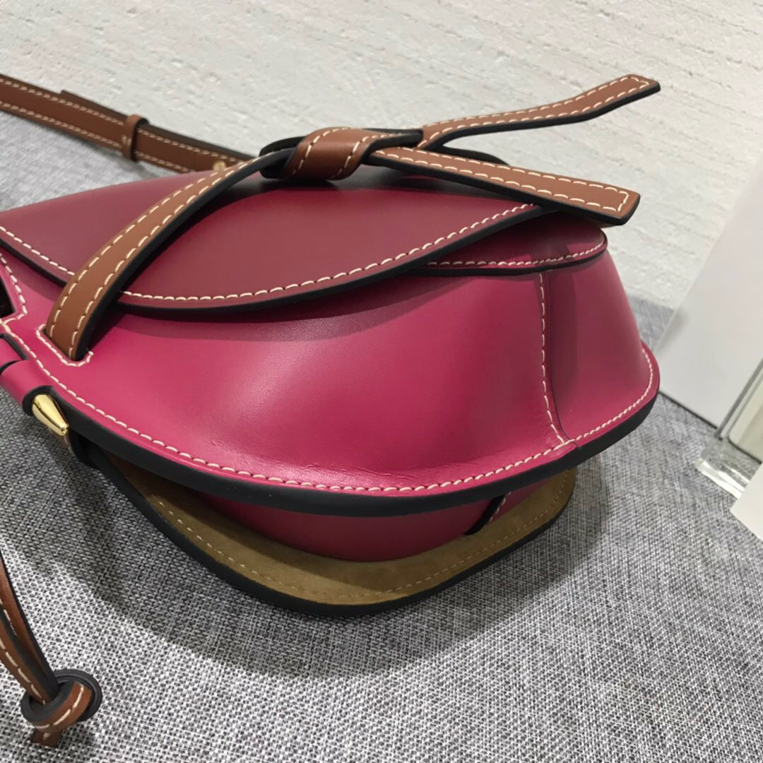 羅意威包包 loewe馬鞍包 Gate Small Bag Wine/Raspberry 牛皮