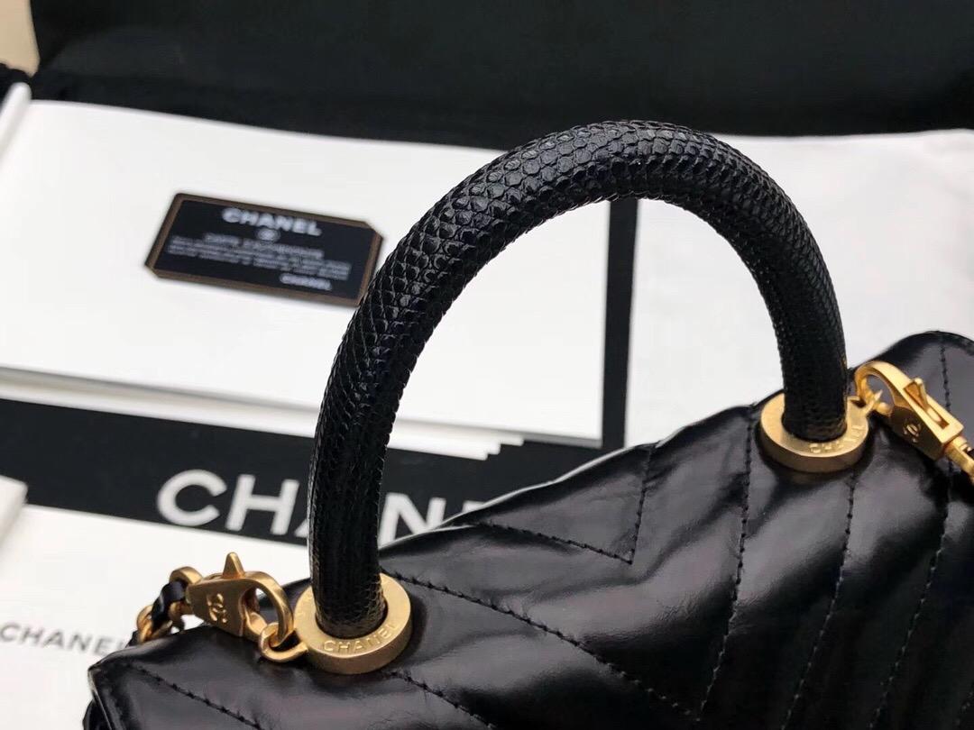 小香口蓋包配蜥蜴皮手柄手堤包Chanel Coco Handle Bag 黑色油臘小牛皮