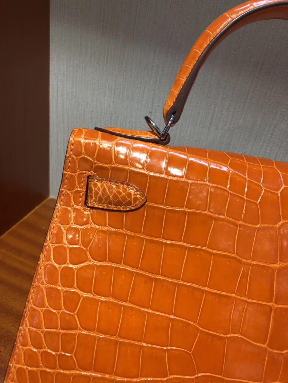 Hermes Singapore 凱莉包Kelly 28 Bag CK93經典橙色 亮面倒V 野生灣鱷銀扣