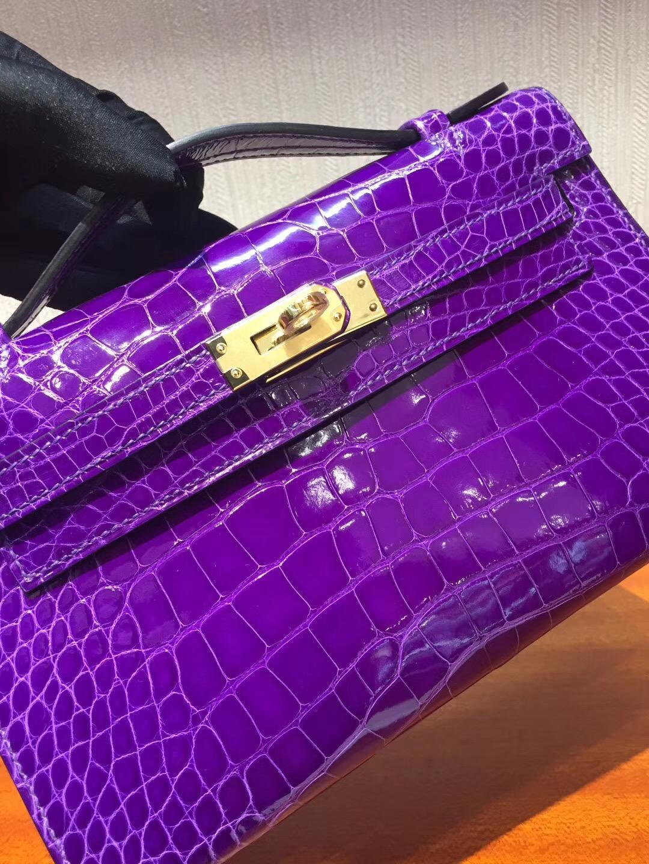 Canada Hermes MiniKelly pochette 5L极度紫 亮面方塊鱷魚 金扣