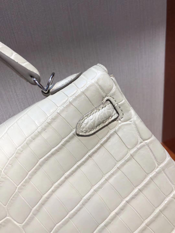 Singapore Hermes Kelly Bag 25cm 8L奶油白 霧面兩點 尼羅鱷 銀扣