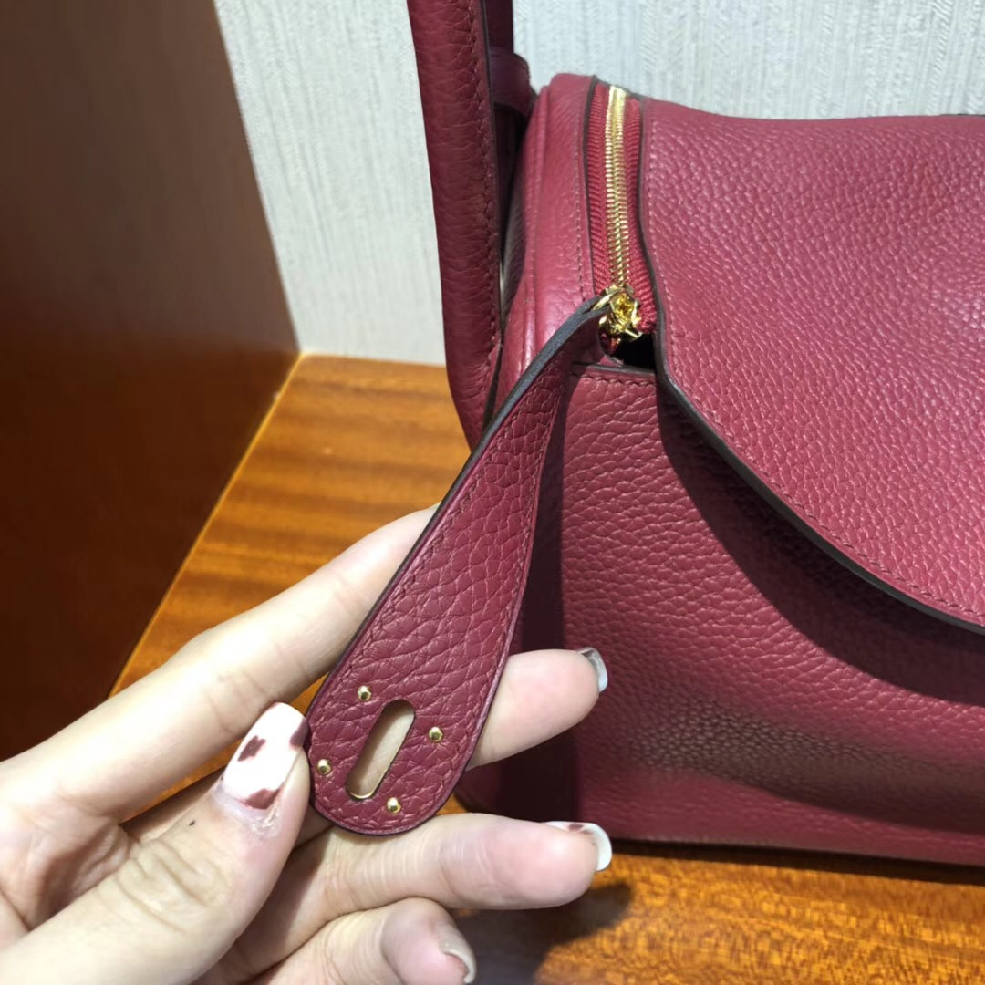 Hong Kong Hermes Lindy 26 CCK1石榴紅Rouge Grenat taurillon Clemence