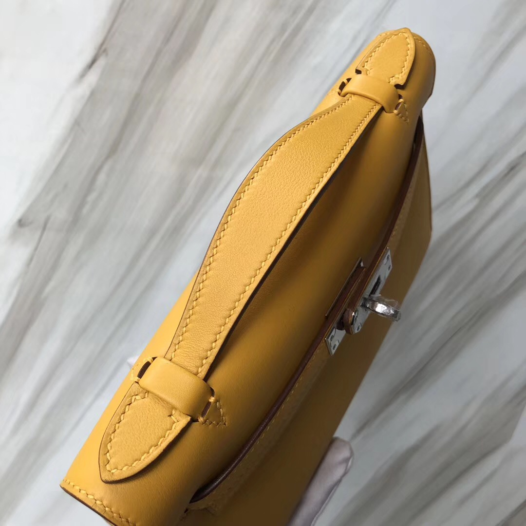 Hong Kong Hermès MiniKelly pochette 9D Jaune Amber琥珀黃 Swift calfskin