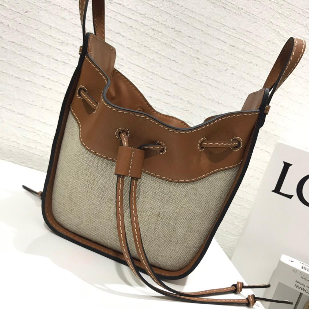 臺灣羅意威吊床包價格及圖片 Loewe水桶包 Hammock Drawstring Mini Bag