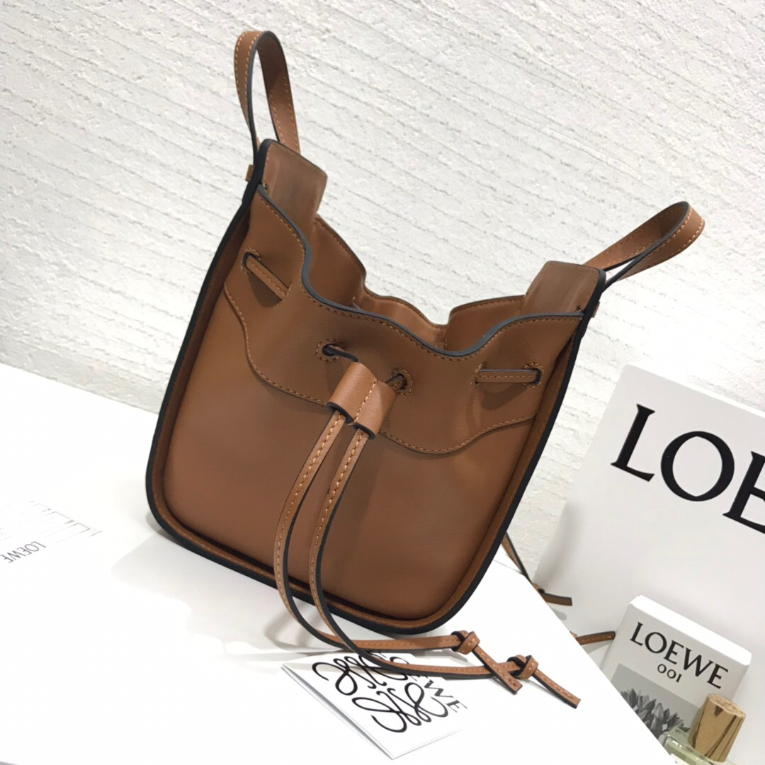 羅意威吊床包價格及圖片Loewe Hammock Drawstring Mini Bag 黄色