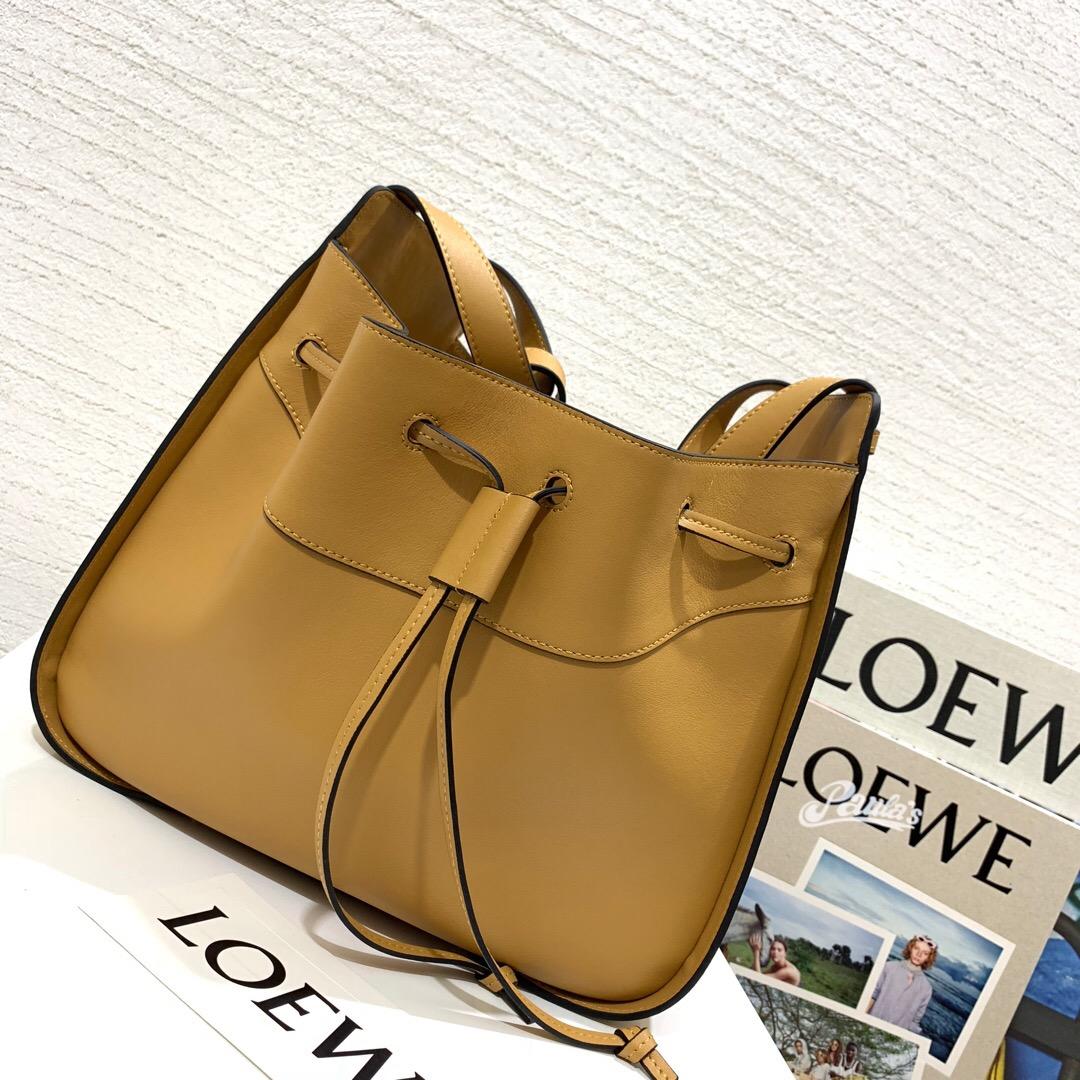 Loewe Hammock Drawstring Medium Bag Light Caramel