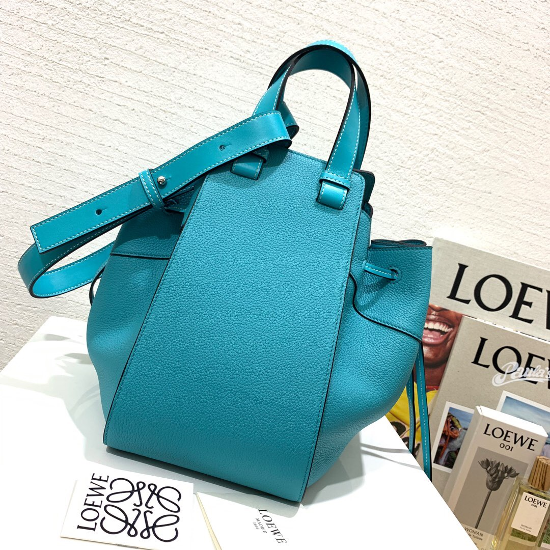 臺灣羅意威吊床包 臺灣價格 Loewe Hammock Drawstring Mini Bag Lagoon Blue