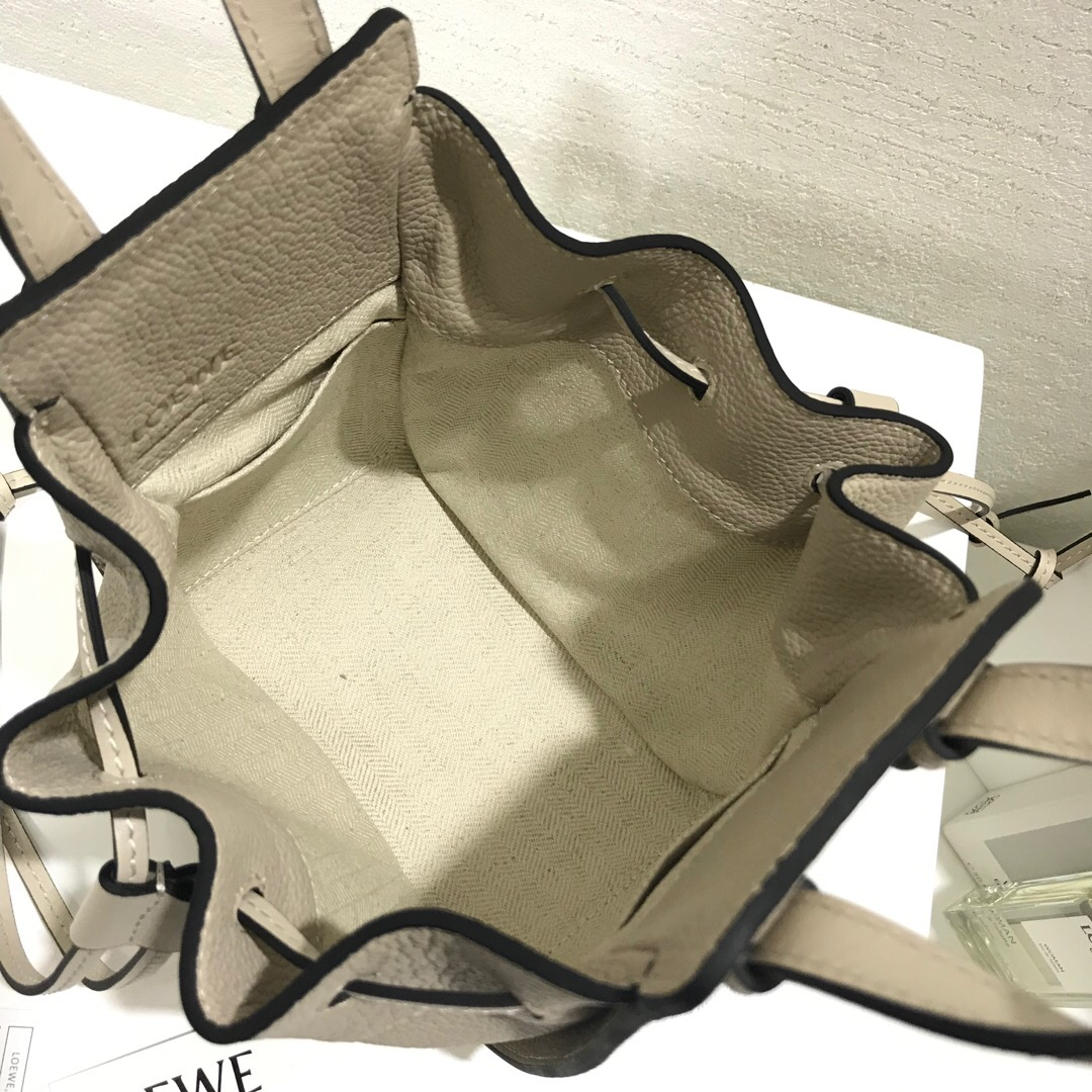 羅意威迷妳吊床包官網 Loewe Hammock Drawstring Mini Bag Light Oat