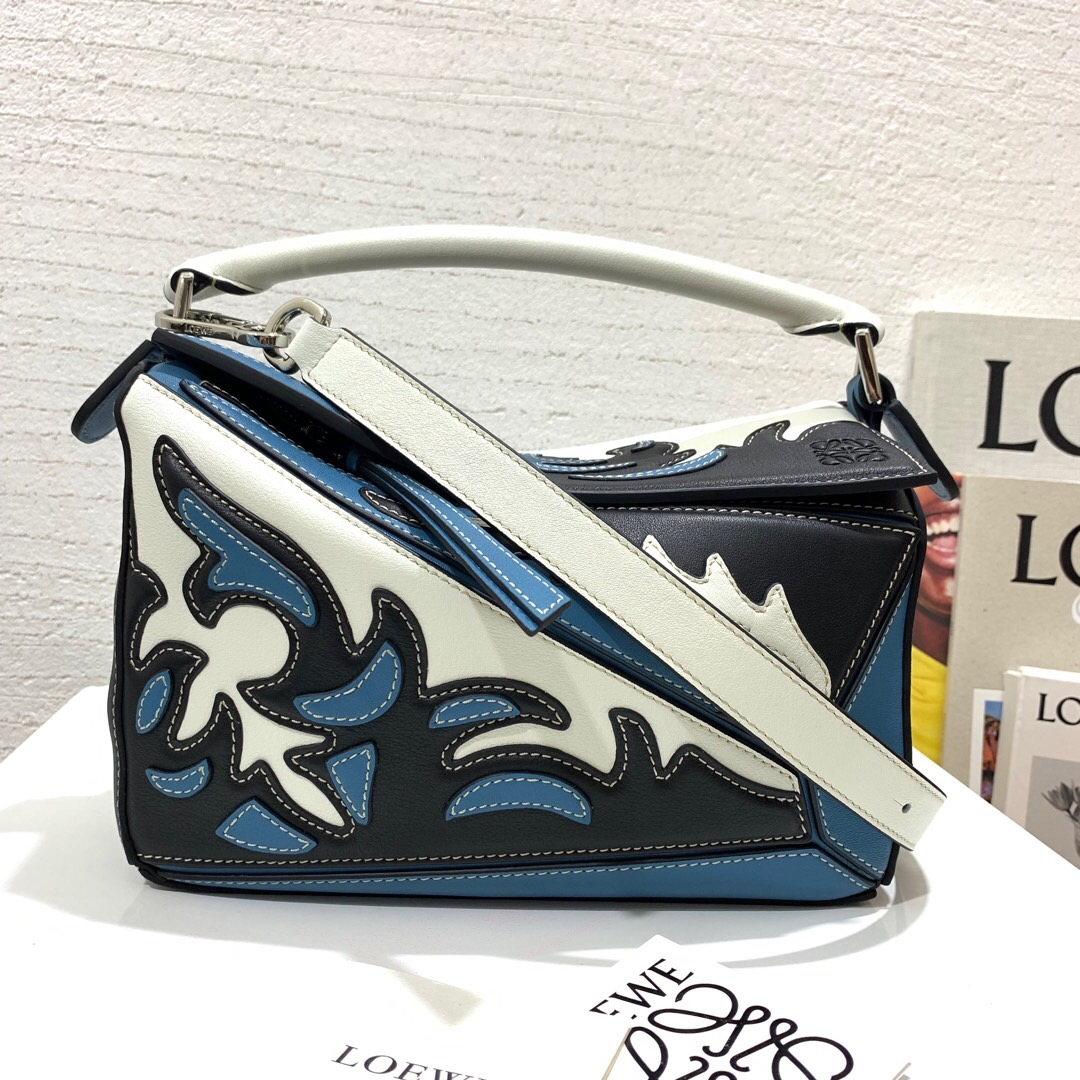 羅意威幾何包價格 LOEWE Puzzle Cowboy Small Bag black/light blue
