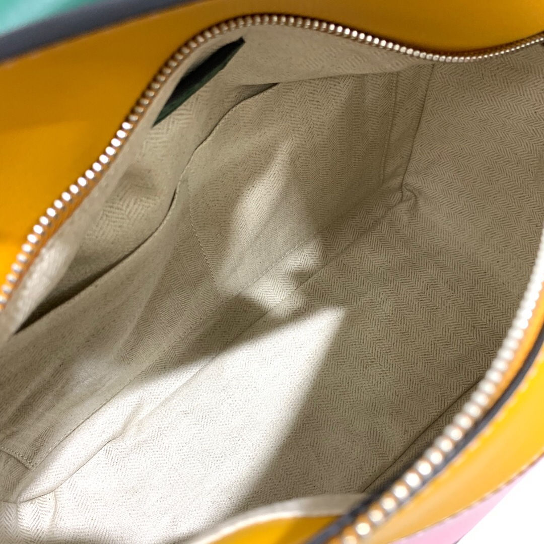臺灣臺中羅意威幾何包價格 LOEWE Puzzle Small Bag Green/Pastel Pink