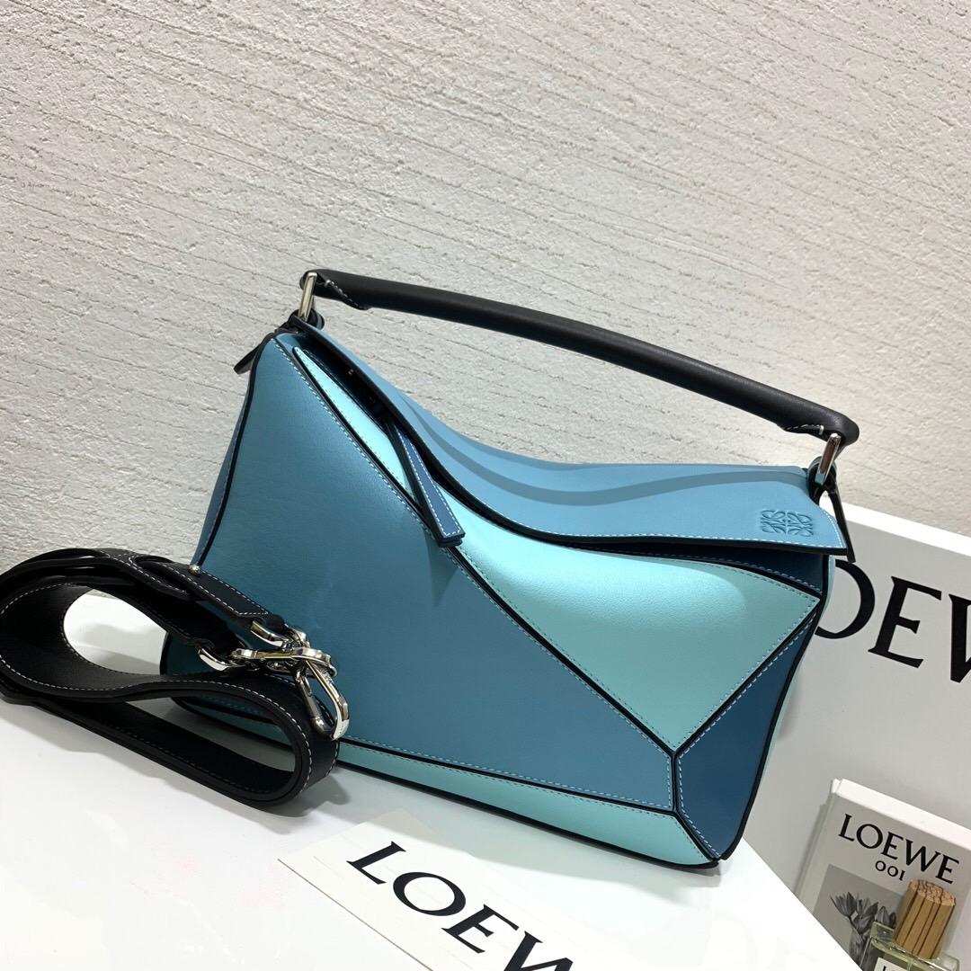 loewe puzzle 中號和小號 loewe Puzzle Small Bag Light Blue/Aqua