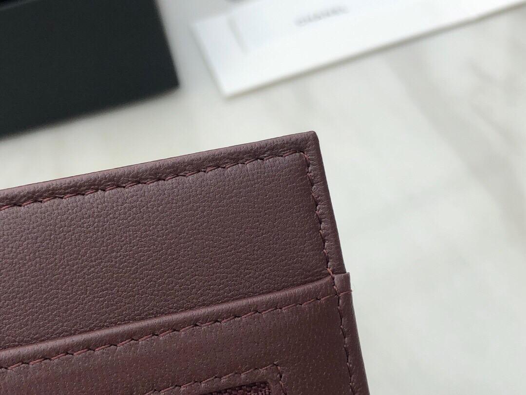 香港九龍半島 深水埗區 香奈兒經典羊皮手拿包價格及圖片
