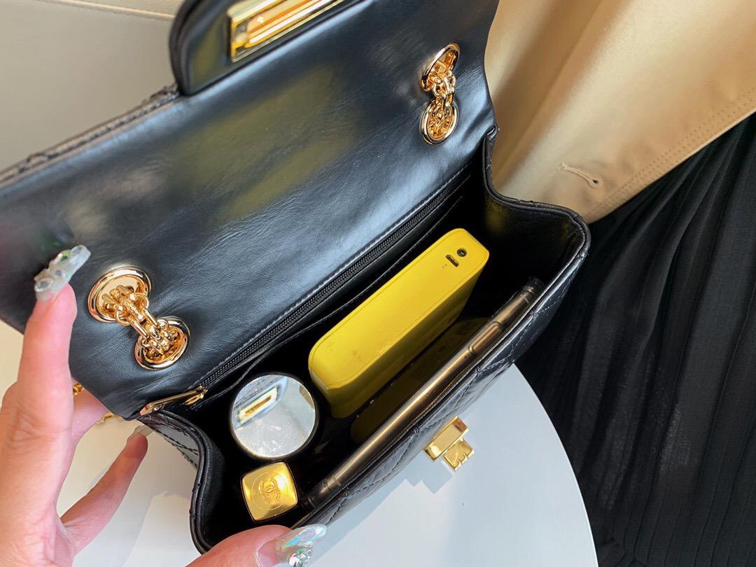 臺灣新竹市 香奈兒包包官網 MINI 小號2.55口蓋包胎牛皮