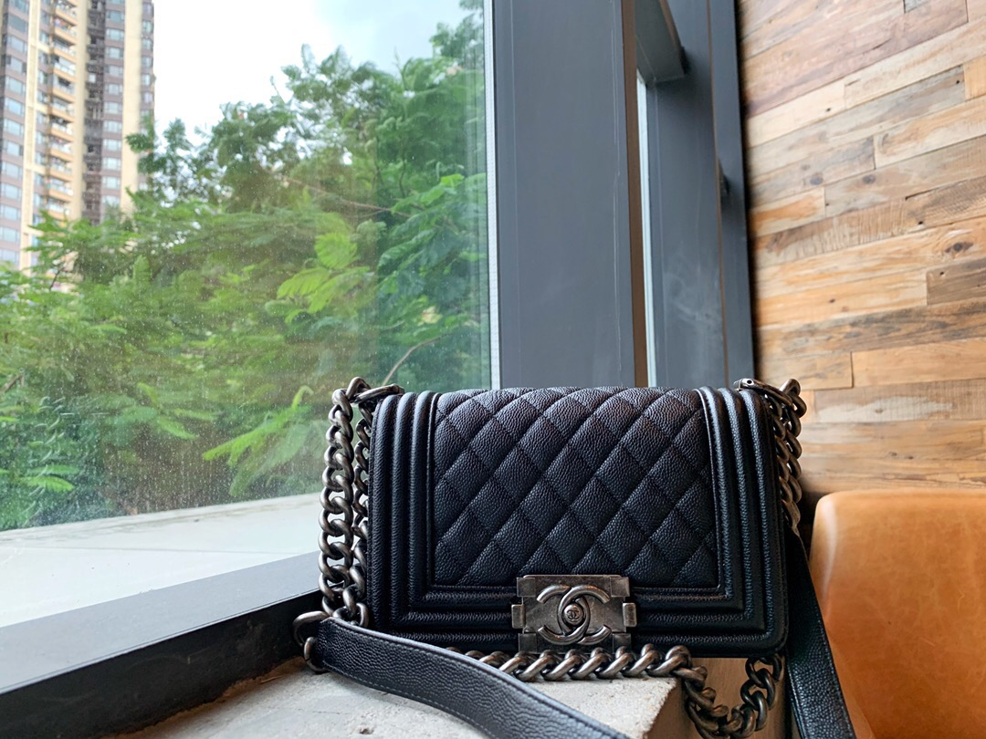 新加坡 chanel包包價格及圖片尺寸 小號boy chanel口蓋包