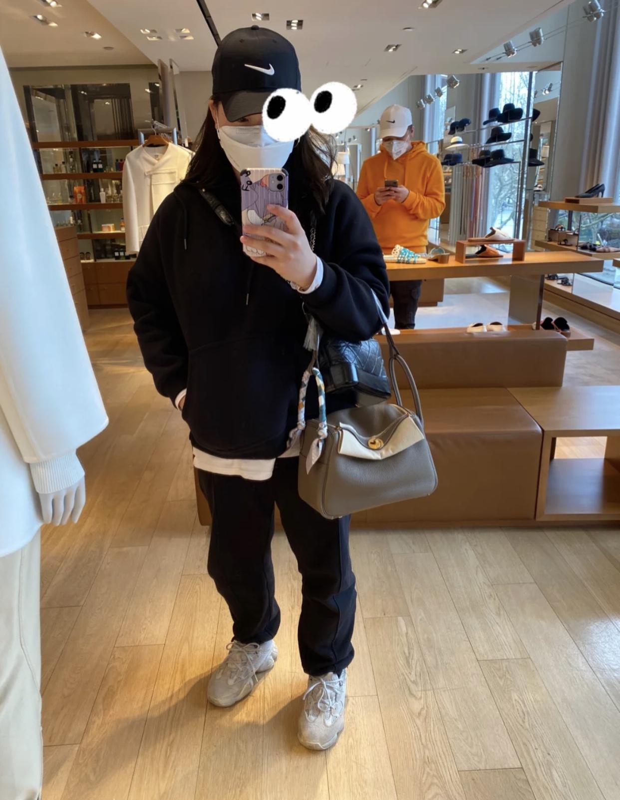 愛馬仕林迪包 香港專櫃購買實拍圖片及上身體效果圖 Hermes Lindy 26cm