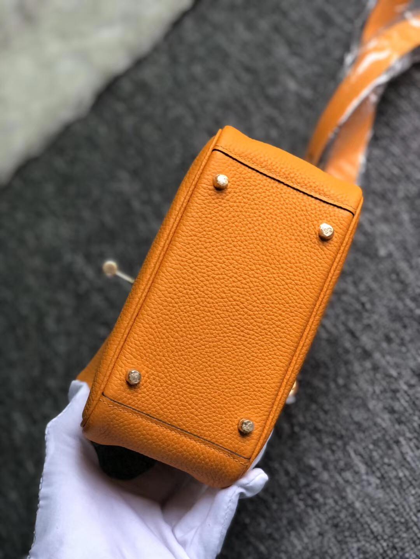 Hong Kong Hermes Mini Lindy 19cm taurillon Clemence i9 Apricot 杏黃色