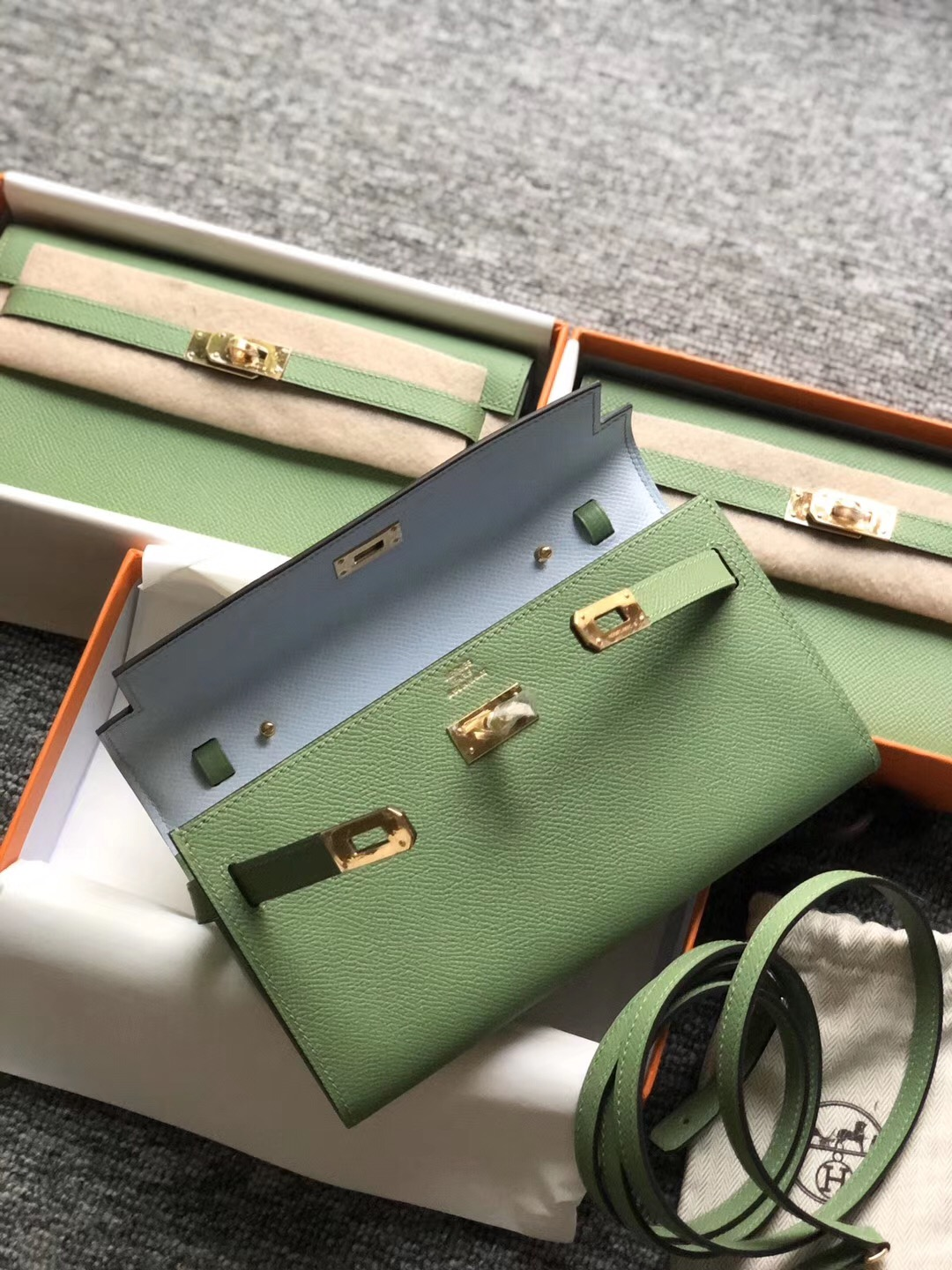 Hermes Kelly Classique To Go 3i Vert Criquet 牛油果綠 T0霧藍色 blue brume