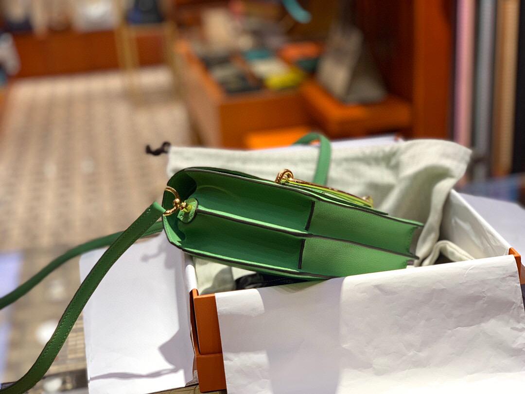 香港淺水灣 Hermes Roulis mini Evercolor 3I Vert Criquet 牛油果綠 蟋蟀綠