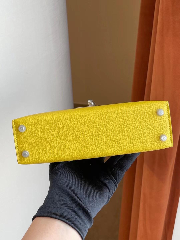 臺灣桃園縣 Hermes Kelly mini II 2代 9R Lime 檸檬黃 Chevre Mysore 山羊皮 銀扣