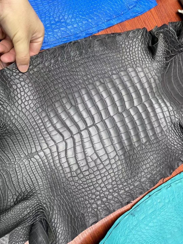 愛馬仕皮革分類有幾種材質 Hermes 88 Graphite 石墨灰 霧面美洲鱷魚