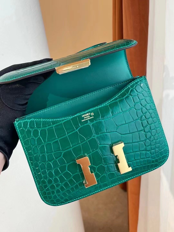 Saudi Arabia Hermes Constance MINI 6Q 翡翠綠 Vert emeraude 亮面美洲鱷魚