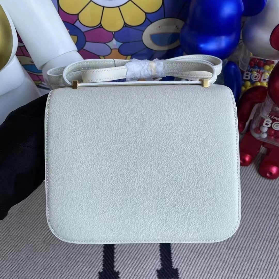 Canada Hermes Constance 19cm Everycolor 皮 01 Blanc 純白色 金扣